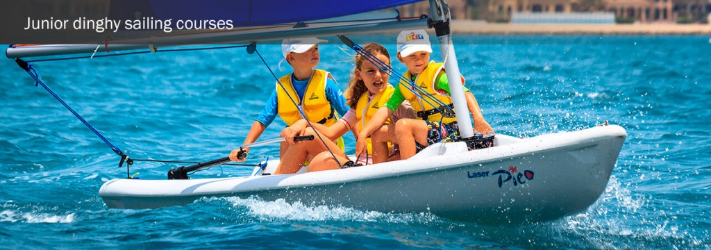 junior-dinghy-sailing